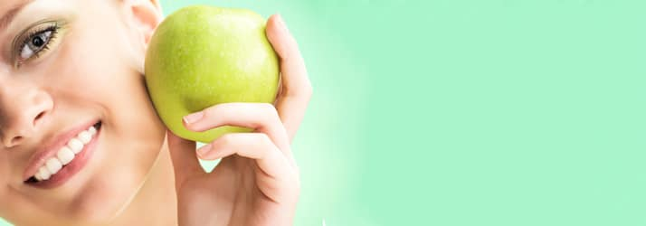 Weight Loss Yakima WA Woman with Apple